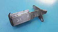 Кронштейн крепление заднего бампера левый ауди а4 б5 audi a4 b5 8d0807331C, фото 1