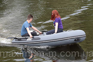 Надувная моторная лодка с жестким корпусом RIB 300/Valmex