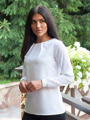 Стильная белая блуза с длинным рукавом
