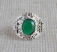 Кольцо с зелёным ониксом 17.5 размера