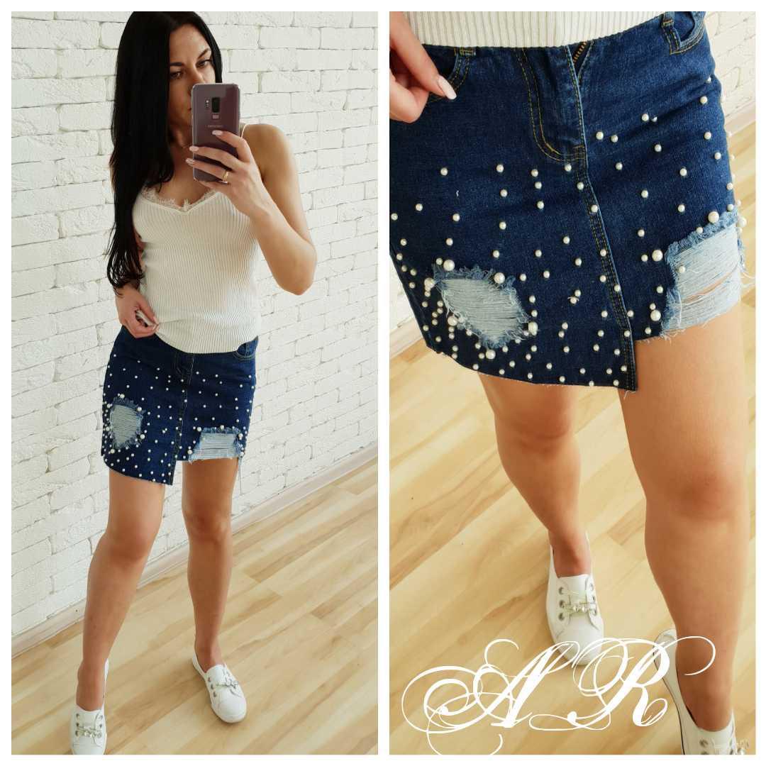 Асимметричная короткая джинсовая юбка с жемчужными заклепками 42-44 р