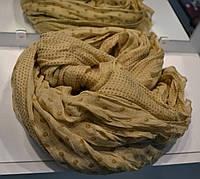 Женский шарф бежевого цвета