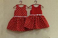"""Повседневно - нарядное платье на девочку """"Сердечки"""" на красном фоне"""