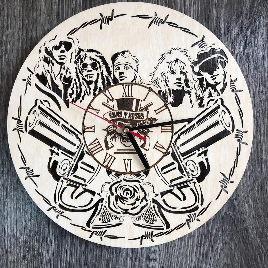 Концептуальные настенные часы в интерьер «Guns N` Roses»