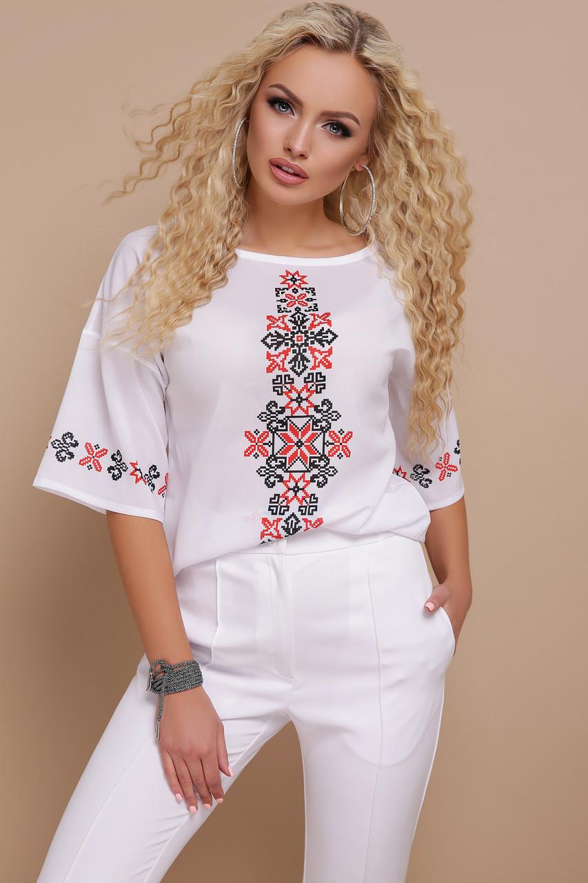 Женская белая блуза с красным орнаментом Мирана к/р