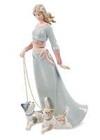 Статуэтка фарфоровая Дама с собачками 26 см Pavone CMS - 32/ 1
