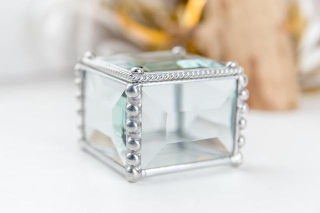 Шкатулка из стекла в технике тиффани