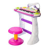 Пианино 7235  Музыкант, на подставке, стул, микрофон, розовый,на бат-ке, в кор-ке, 46-44-12см