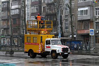 Аварийная машина АТ-70М-041 (на шасси ГАЗ) со смещенным балконом для ремонта контактных сетей, фото 2