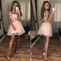 Красивое платье из сетки с цветочной вышивкой