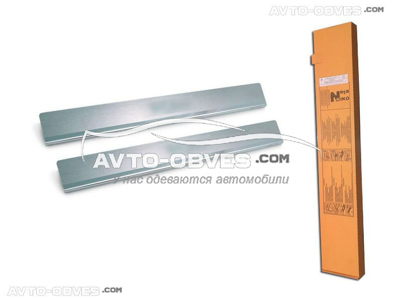 Накладки на внутренние пороги для Опель Виваро 2001 - 2014