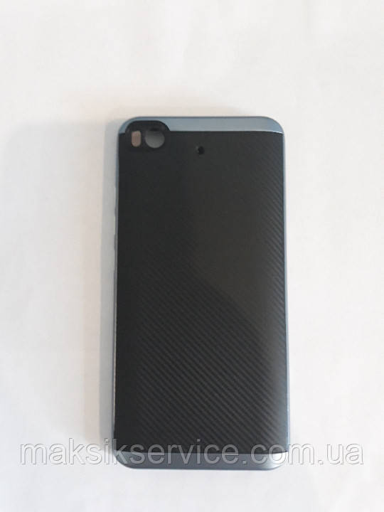 Чехол на Xiaomi MI 5S черный карбон+синие вставки