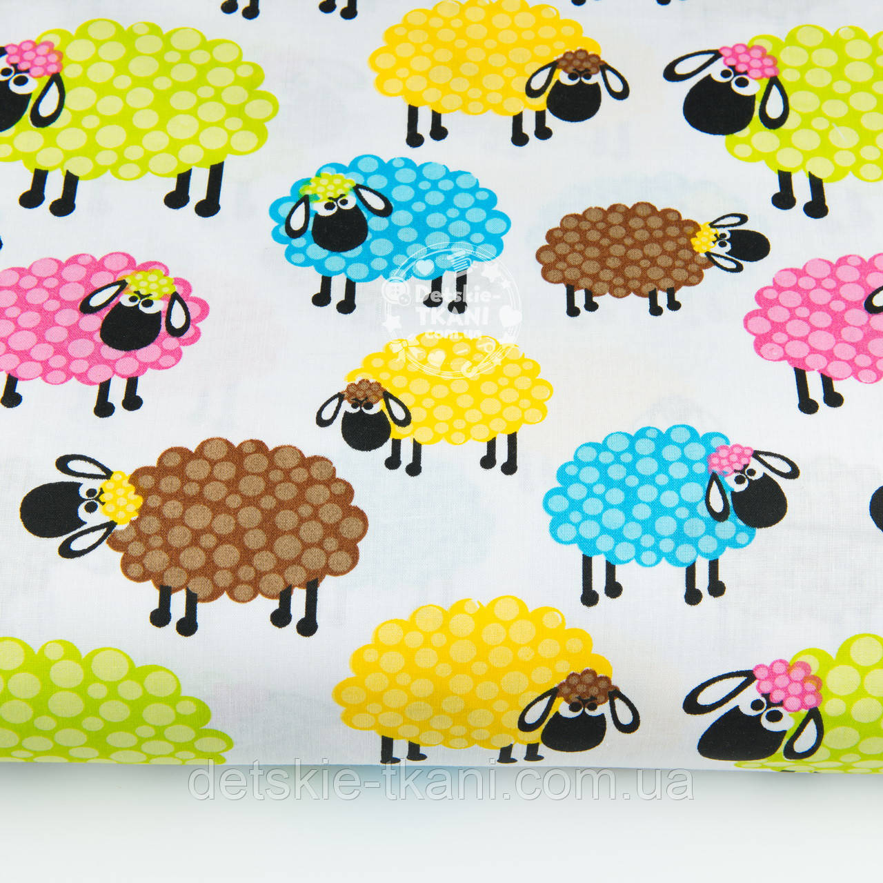 "Лоскут ткани ""Разноцветные овечки"" на белом фоне, № 1415а"