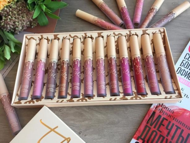 Набор жидких матовых помад Кайли Дженнер Kylie Jenner 12 оттенков, стойкая матовая жидкая помада!