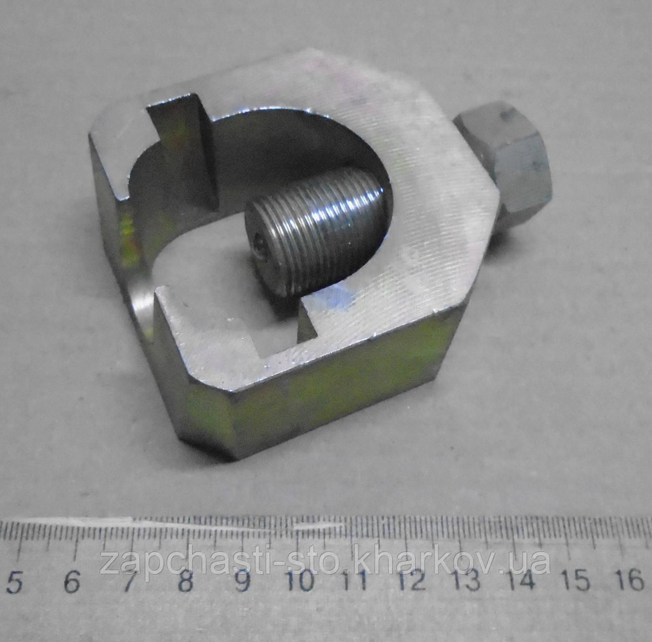 Съемник шаровых опор и наконечников ВАЗ 2108-21099-2115