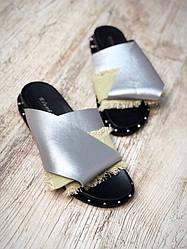 Шлепки женские Exclusivе  Супер Хит 2018, эко кожа+обувной текстиль серебро