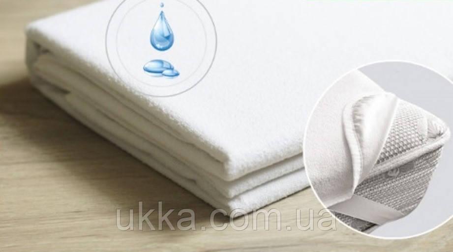 Непромокаемый наматрасник простыня на резинках по углам 100х200