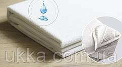 Непромокаемый наматрасник простынь на резинках по углам 90х200