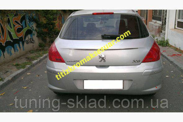 Хром планка над номером Peugeot 308 2007-2013  (Пежо)