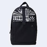 Черный рюкзак с белым орнаментом