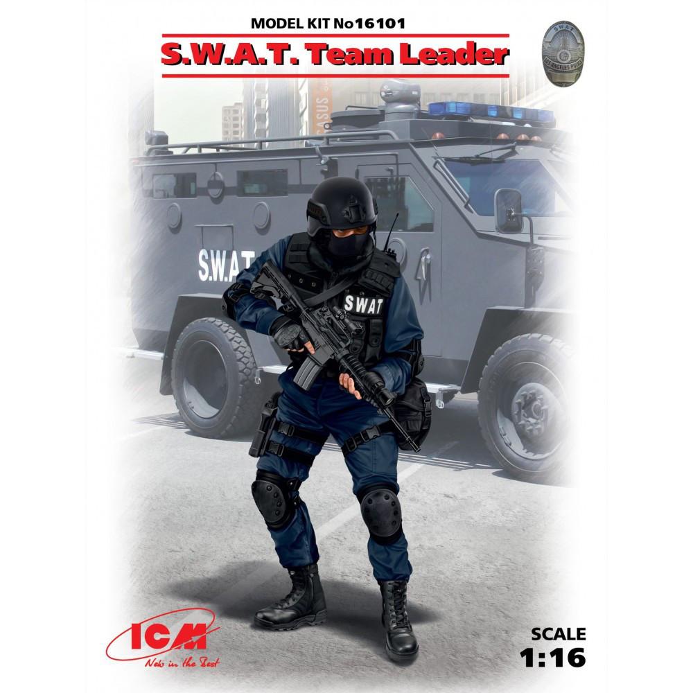 Сборная пластиковая фигура. Командир группы S.W.A.T. 1/16 ICM 16101