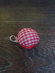 Игольница подушечка с резинкой на руку, D=55 мм,красная в клетку