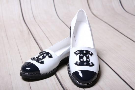 Туфли женские комбинированные на низком ходу