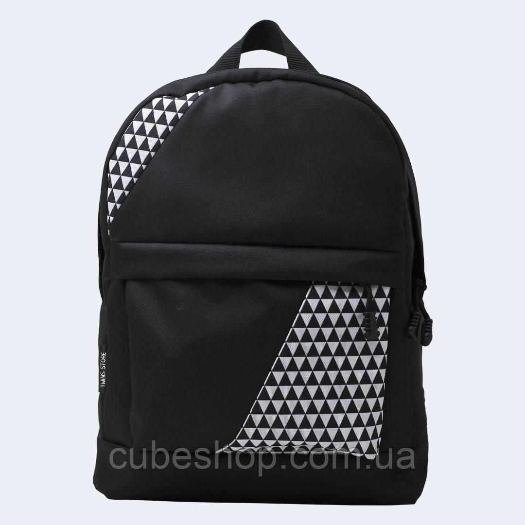Черный рюкзак с треугольниками mini