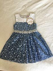 Модное платье для девочки с пышной юбкой в цвете джинс с поясом