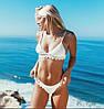 Женский стильный белый купальник с кружевом