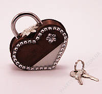 Замочек-сердечко в шоколадных оттенках