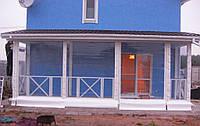 Прозрачные шторы для веранды загородного дома
