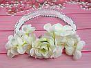 Детская повязочка-резинка с цветами