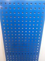 Перфорований метал розміром перфорації 10мм на 10мм шагом 28мм з покраскою