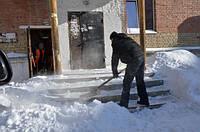 Уборка снега с крыш в Киеве. Очистка наледи, вывоз снега.