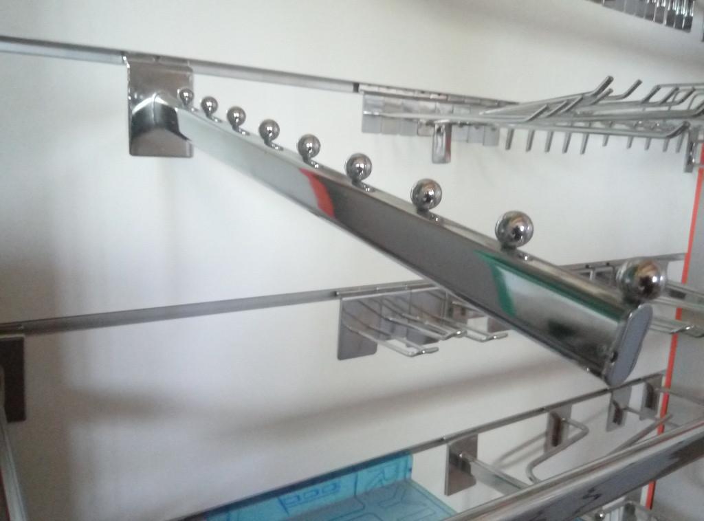 Флейта кронштейн похилий хром розміром 400мм в торговою економпанель