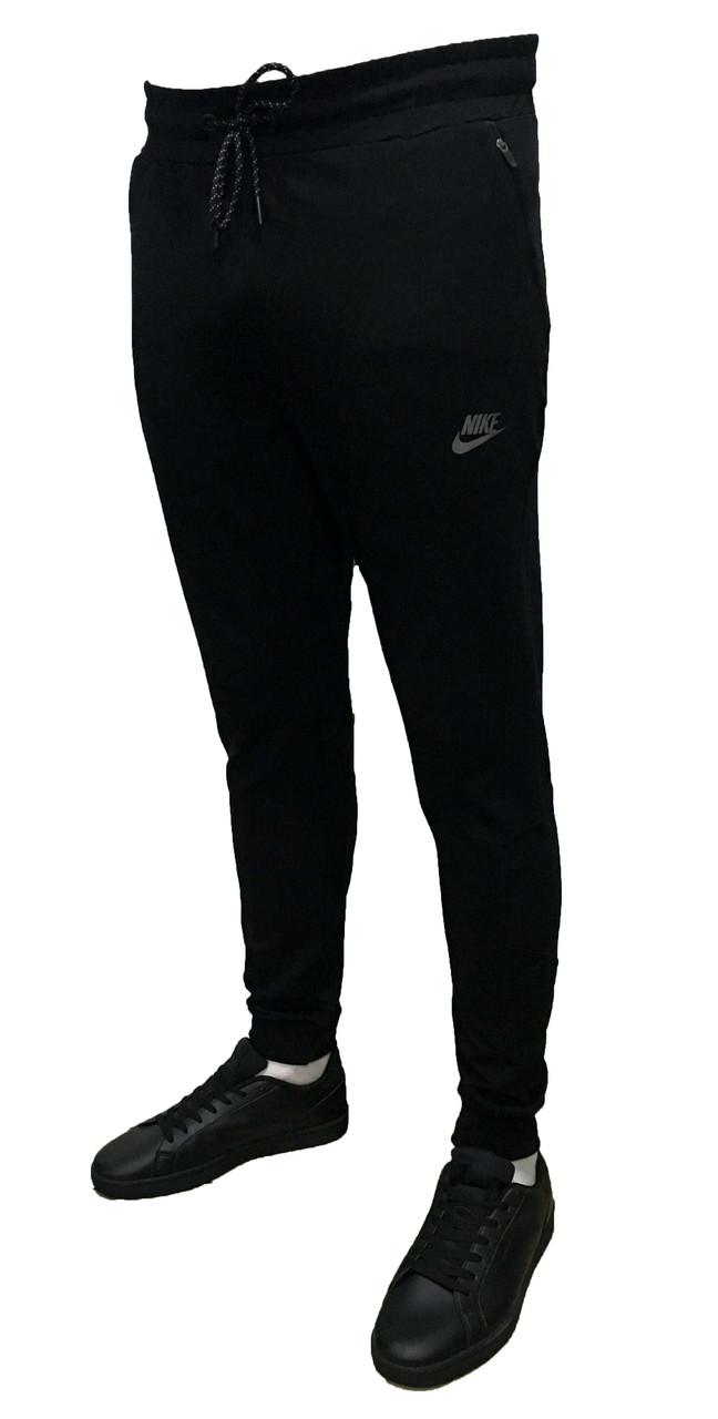 Зауженные трикотажные черные спортивные штаны на манжете (Реплика)
