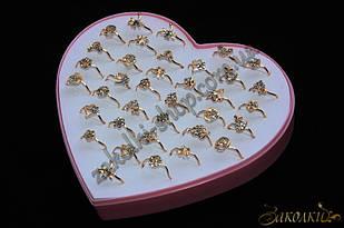 Кільця під золото, пластикова коробочка у вигляді серця, 36 штук в коробці