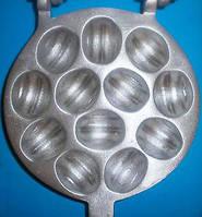 Форма для выпечки орешков Орешница — 12 орехов