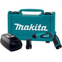 Makita TD090DWE (подсветка,патрон шестигранник 1/4,аккум.Li-Ion)