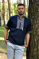 Модная мужская вышиванка на короткий рукав темно-синего цвета из льна М08к-291