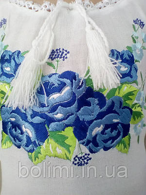 Сорочка для дівчинки вишита гладдю сині троянди з коротким рукавом Батист   продажа 796adf1be0981