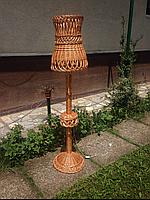 Торшер плетеный с абажуром