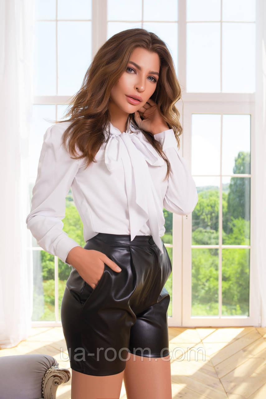 Женские короткие шорты из эко-кожи №495