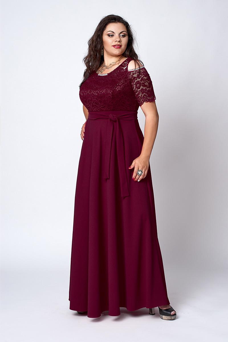 Нарядное длинное платье с гипюровым верхом бордового цвета