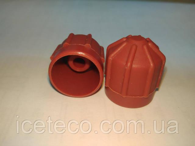 Заглушка пластиковая красная HP М10*1 Gamela 50241