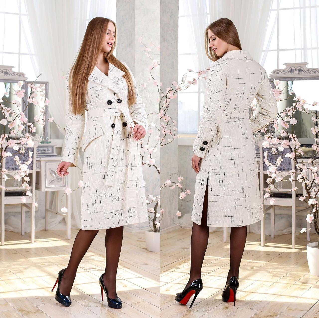 Двубортное демисезонное пальто F 77983  - Белое Принт