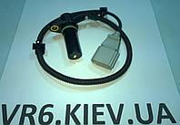 Датчик положения коленвала Audi A3 038957147F