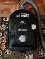 Циклонный пылесос без мешка Samsung AirTrack 1600W