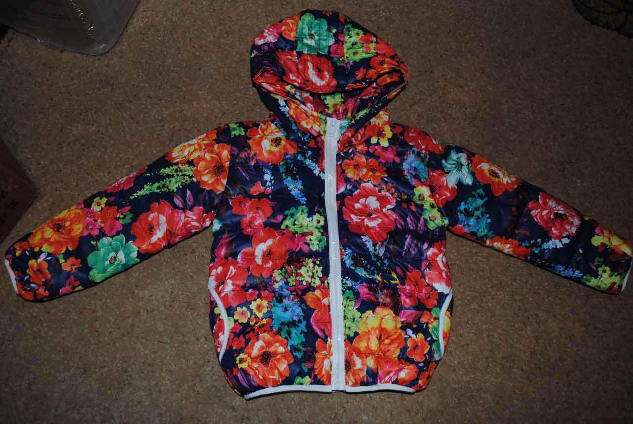 Курточка демисезонная для девочек с цветочками